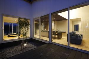 勝美住宅平屋建てモデルハウス中庭