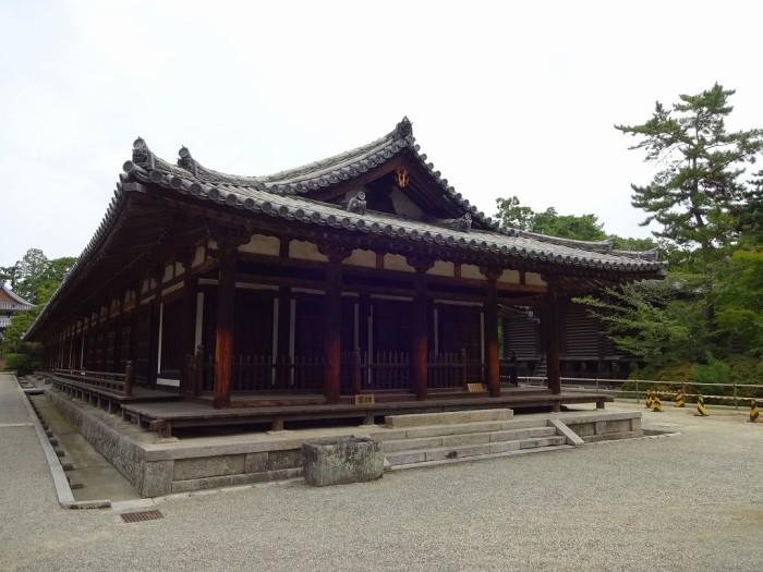 礼堂・東室2