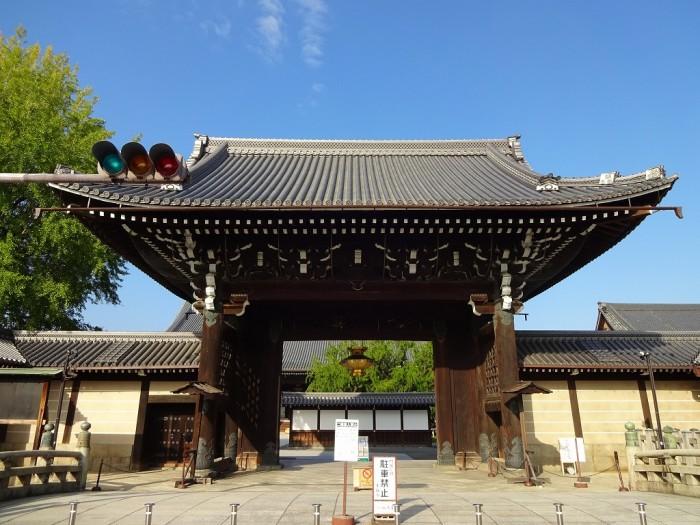 西本願寺・御影堂門1