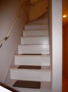 階段下収納前