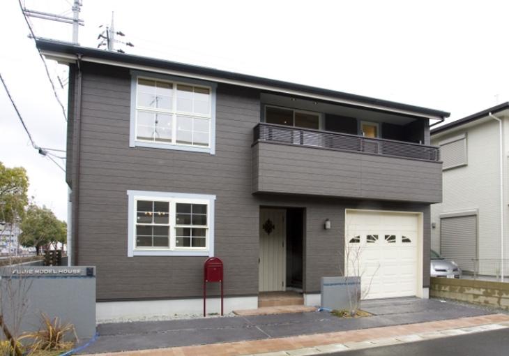 Vol.07 インナーガレージのある無垢の家