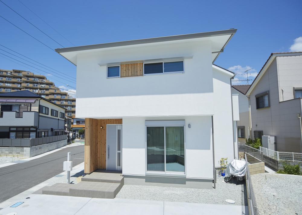 <p>これから家を建てられる方にアドバイスはありますか?</p>